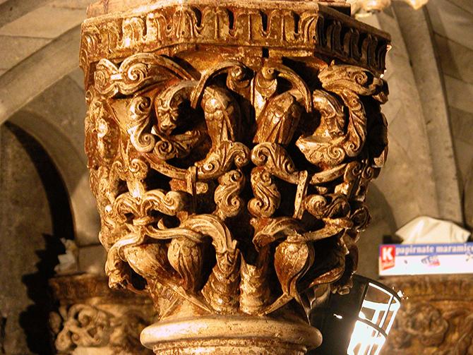 Capitello dorato dopo restauro