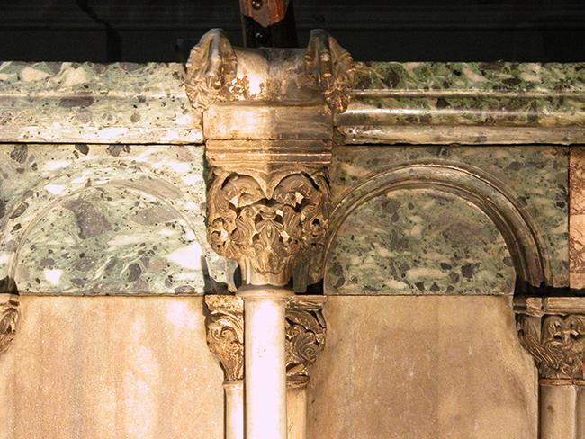 Dettaglio del pulpito dopo il restauro