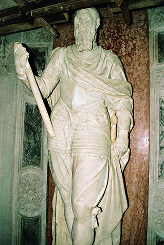 Statua di Jacopo Foscari dopo restauro