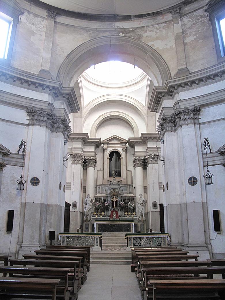 Il presbitero dopo restauro