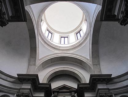 Le volte e la cupola del presbitero dopo restauro